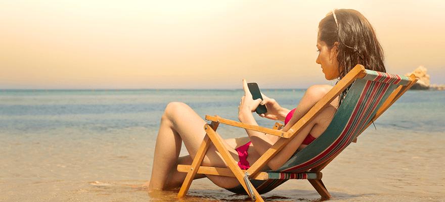 55% des consommateurs achètent sur mobile pendant l'été – Le chiffre du jour